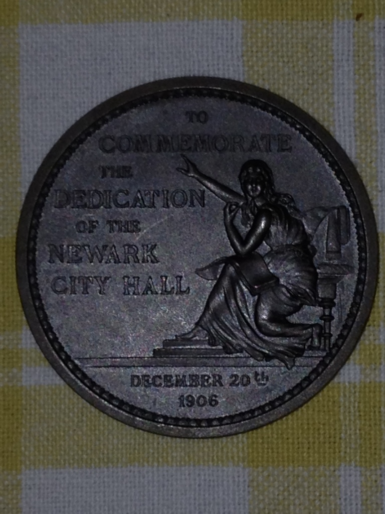 Front of the bronze medal issued in conjunction with the dedication of the new City Hall in 1906.